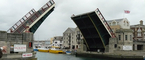 Weymouth_-_Harbour_Bridge_-_geograph.org.uk_-_1007800
